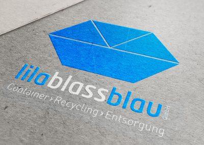 Lila Blass Blau